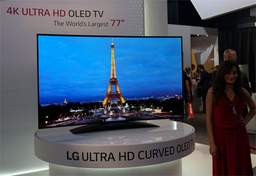 LG Stuns IFA 2013 Crowd With 77-Inch Curved 4K OLED TV