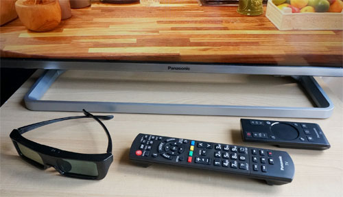 Pedestal stand, remote controls and 3D glasses