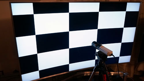 ANSI contrast measurement on a curved TV