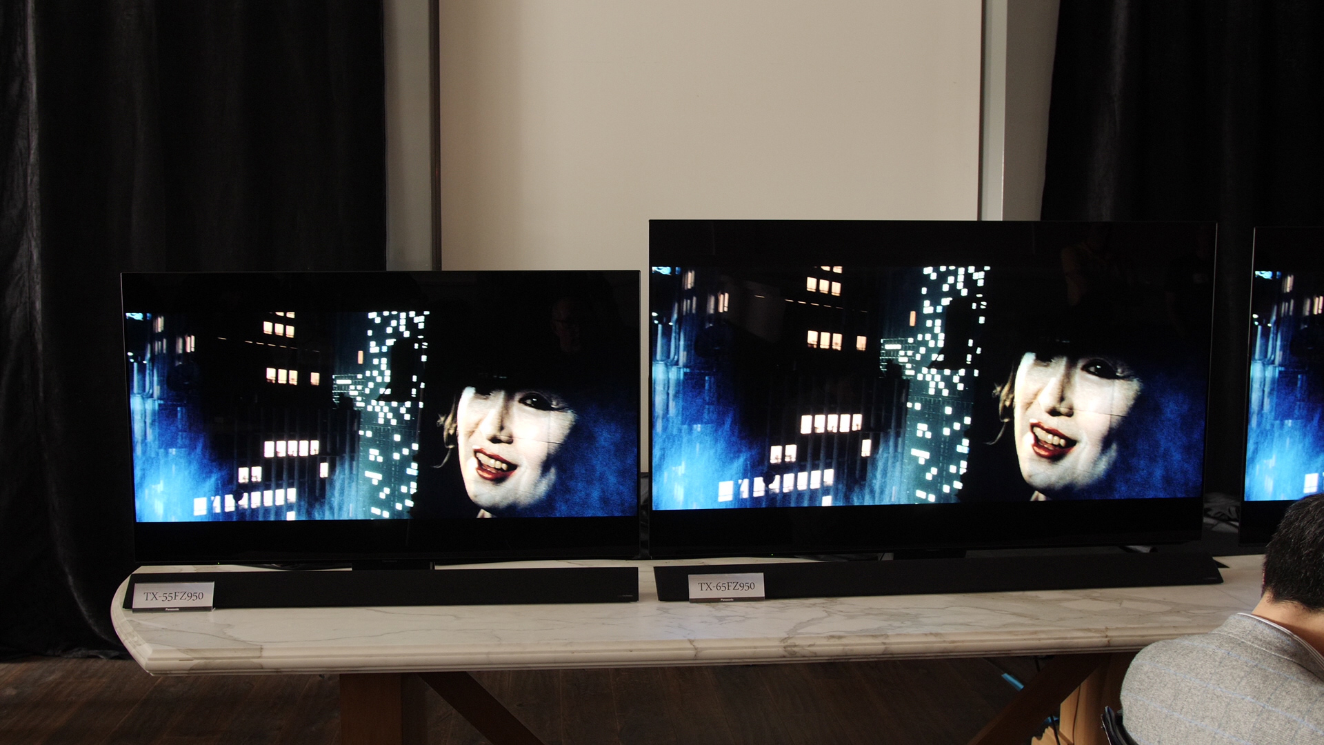 Panasonic Launch FZ950 & FZ800 OLED TV with HDR10+ Support